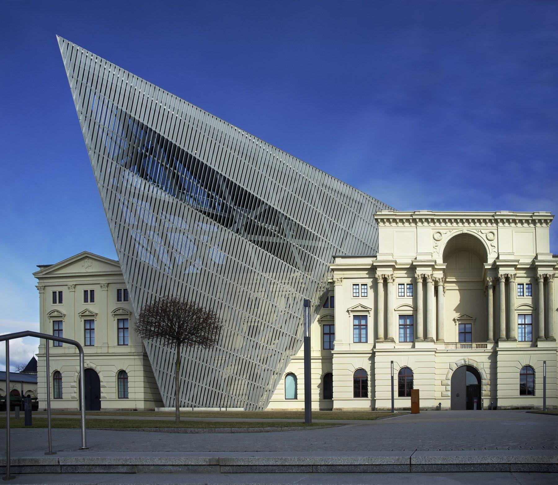 Dresden, Militärmuseum außen, Daniel Libeskind