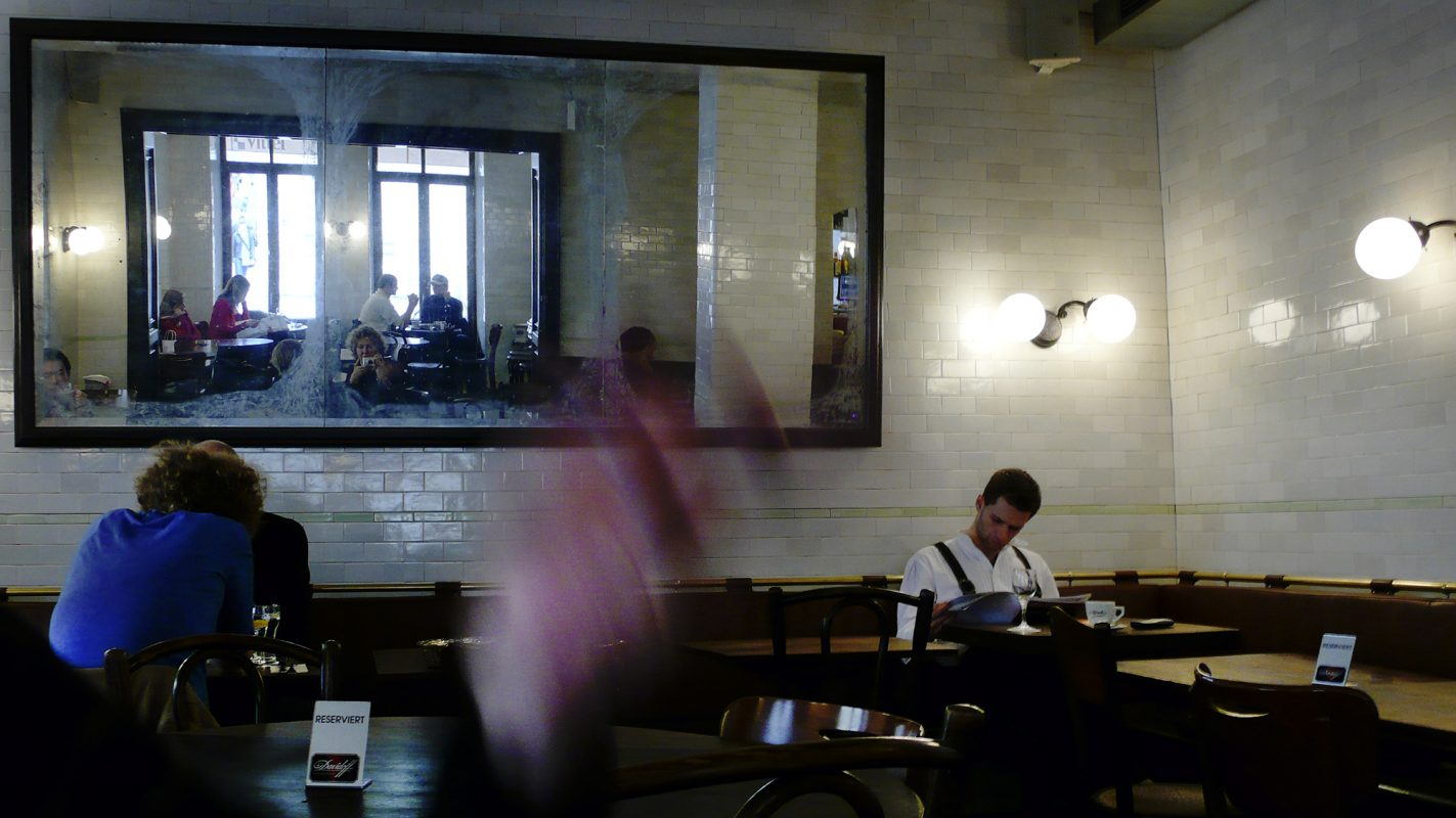 München, Cafe, Spiegel