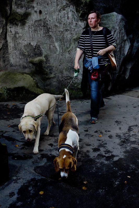 Fraue 2 Hund