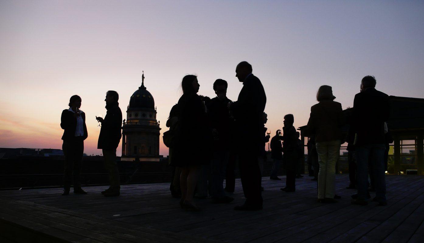Berlin, Dachterrasse, Silhouetten, Empfang