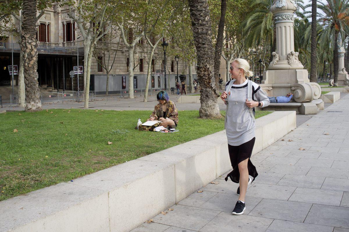 Frauen, joggen, bunte haare