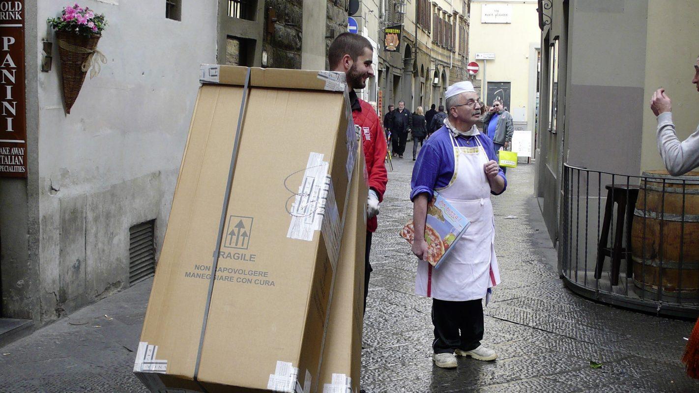 Siena, Straßenszene, Männer, Diskutieren