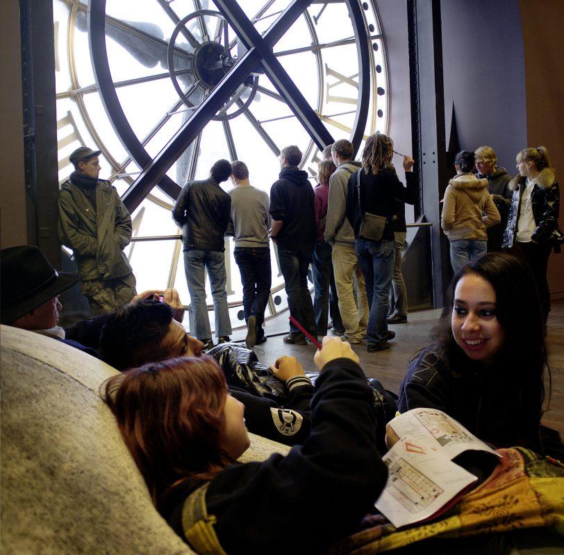 Jugendliche Besucher, Musée d'Orsay