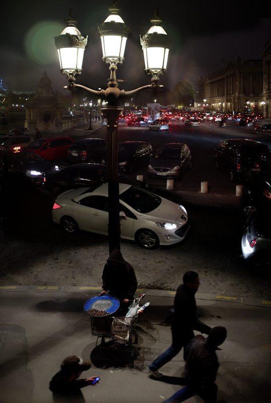 Place de la Concorde, Nacht, Maronenverkäufer, Straßenlaterne