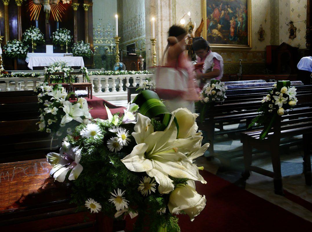 Mexiko, Campeche, Kirche, Blumenschmuck