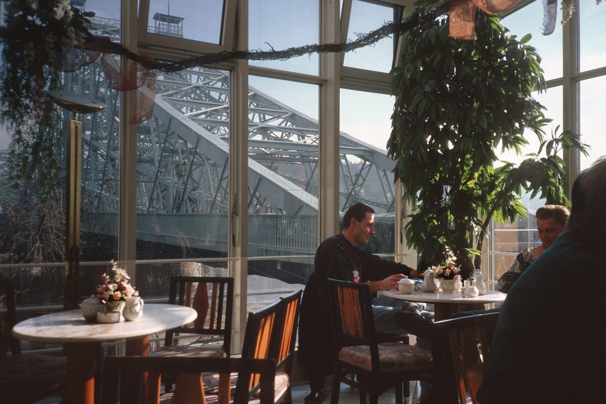 Dresden, Brücke, Blaues Wunder, Café