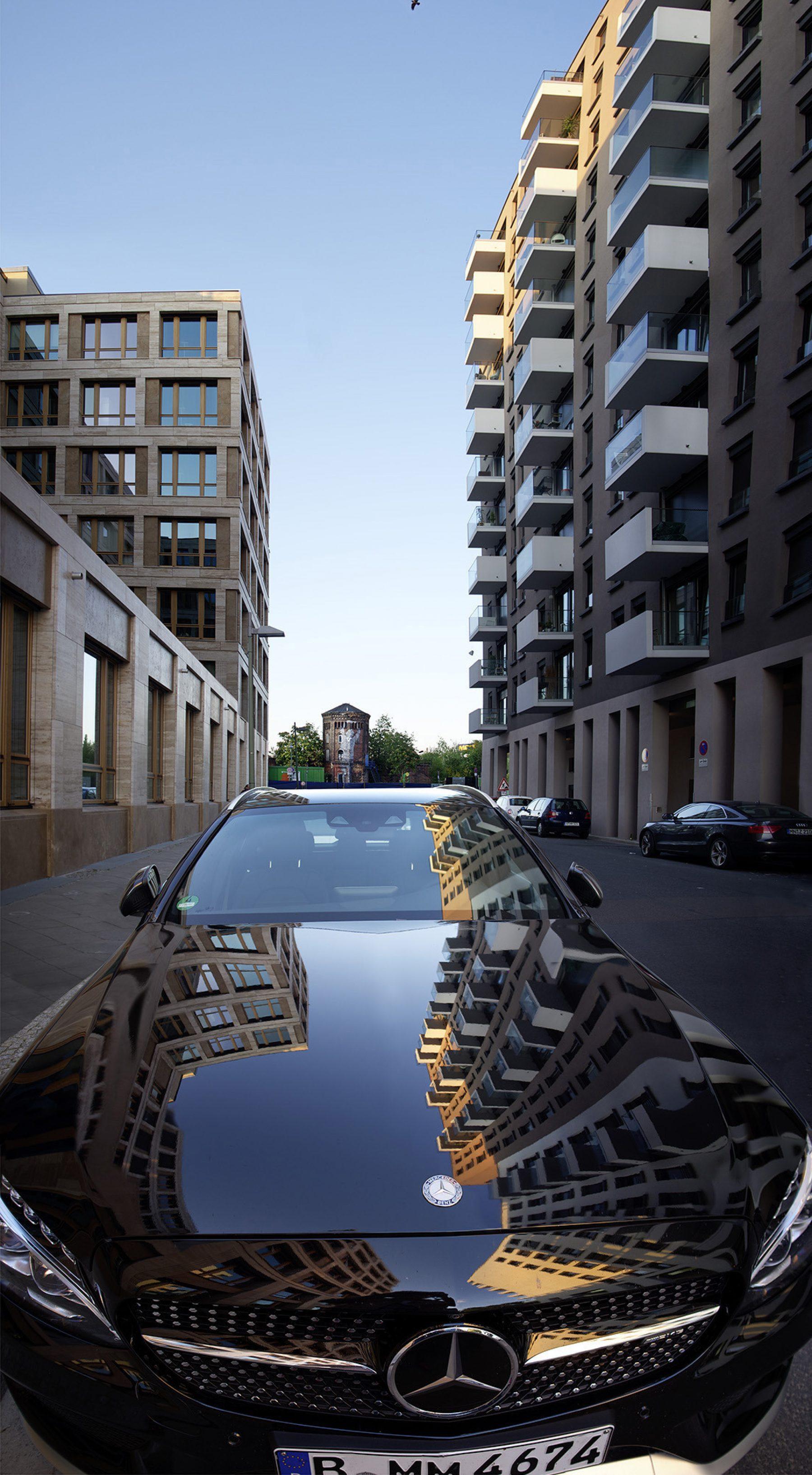 Berlin, Neubau, Mercedes, Autospieglung